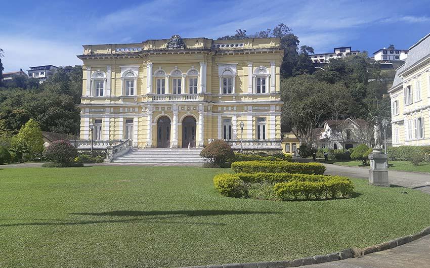 Superbe visite à la montagne avec la visite de Petrópolis